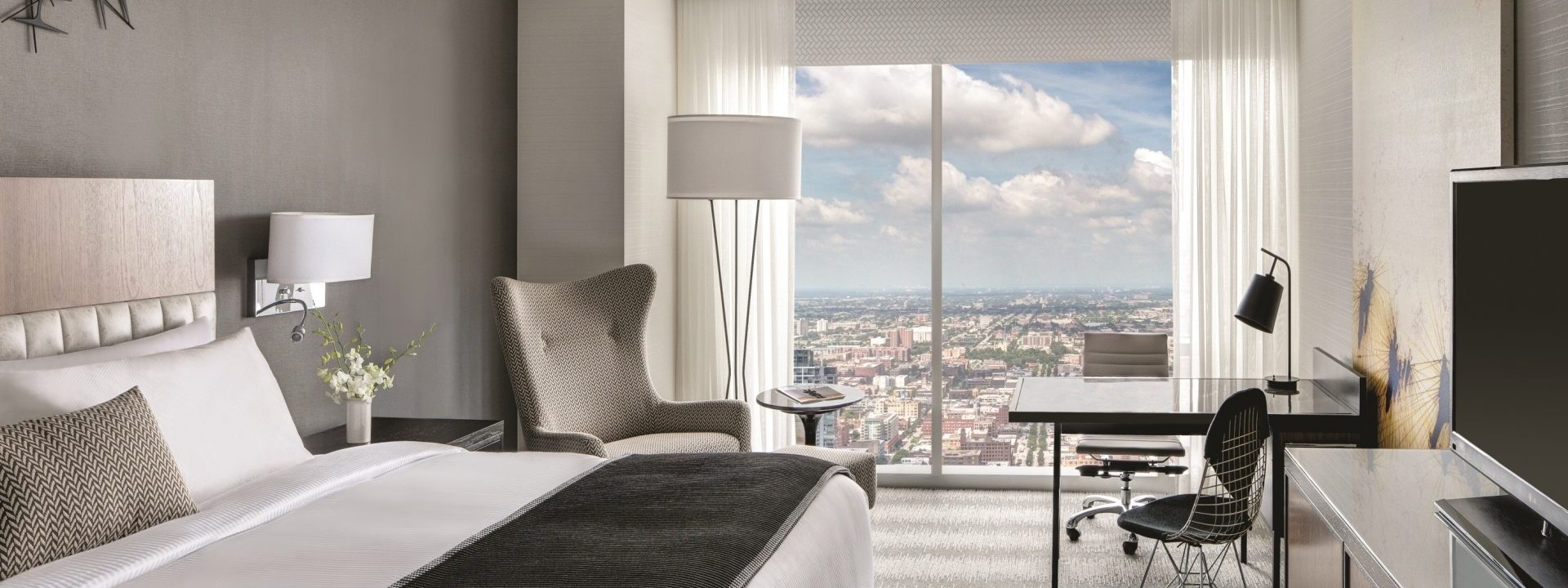 Contemporary Loews Chicago Hotel is your Midwest home-away-from-home
